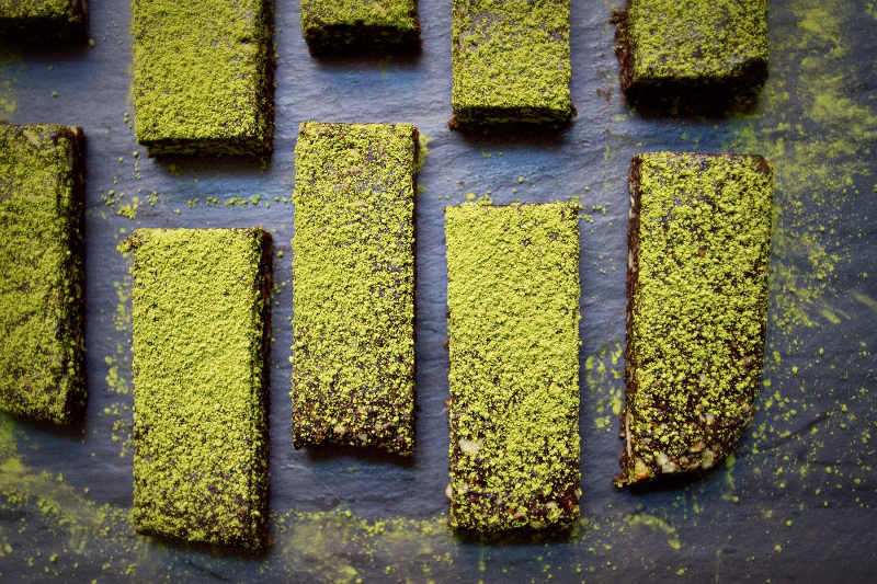 dark-chocolate-matcha-date-bars