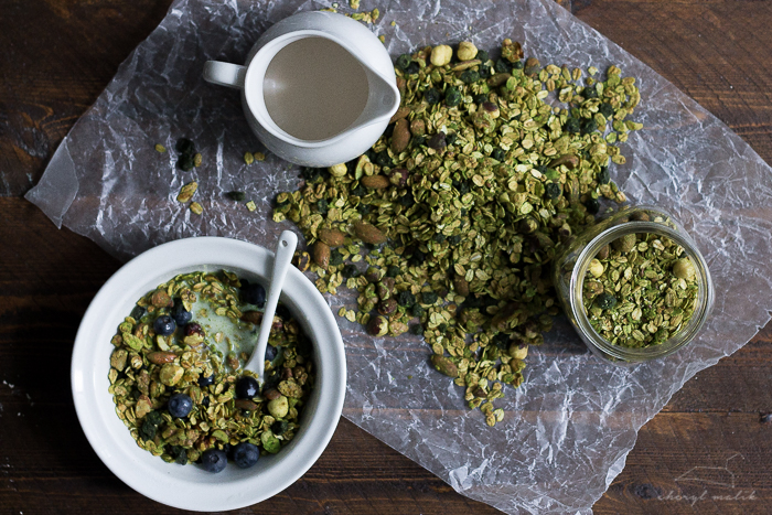matcha-granola-blueberries