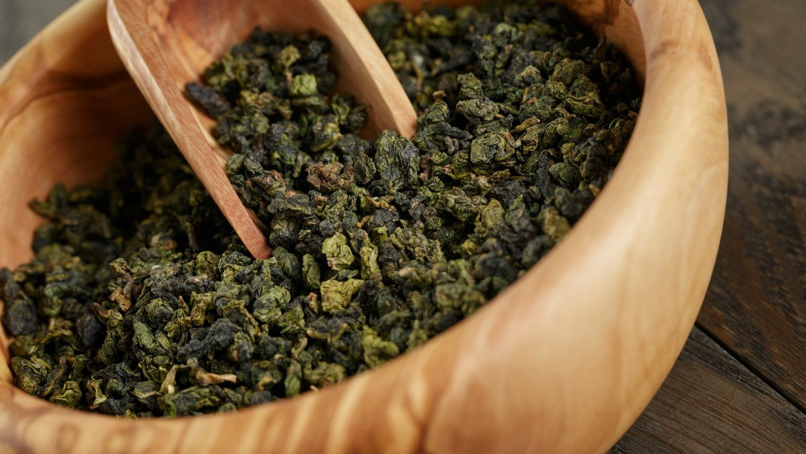 Oolong Vs. Green Tea: What You Need to Know