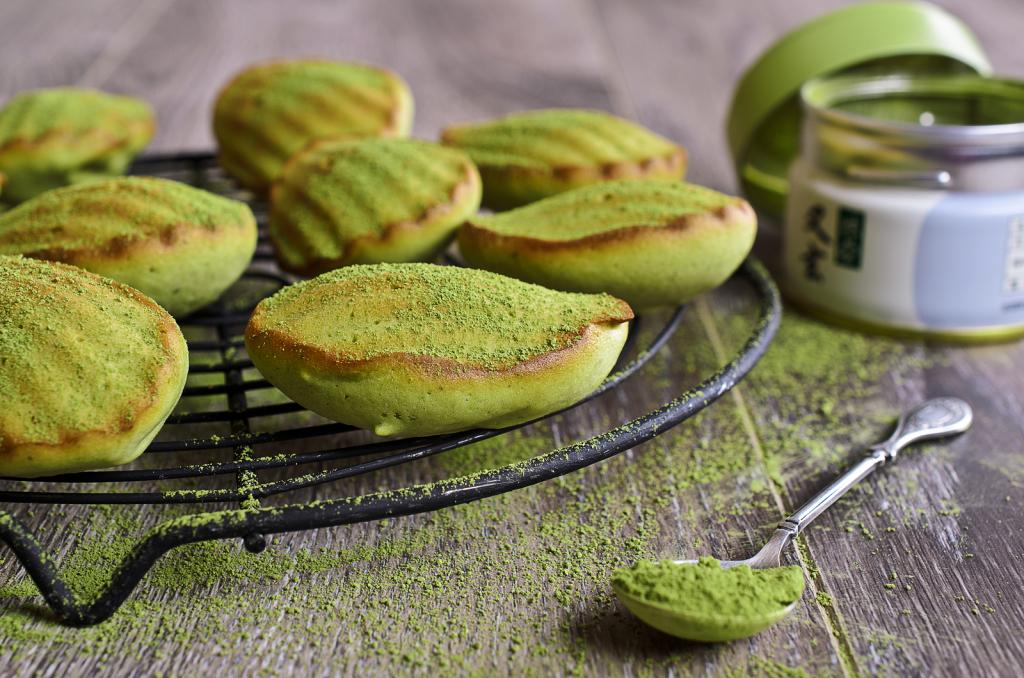 "Cake ""Madeleine"" green baked powder tea ""matcha"""